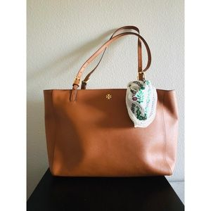 ‼️Sale‼️Tory Burch Leather Shoulder Bag - Tan